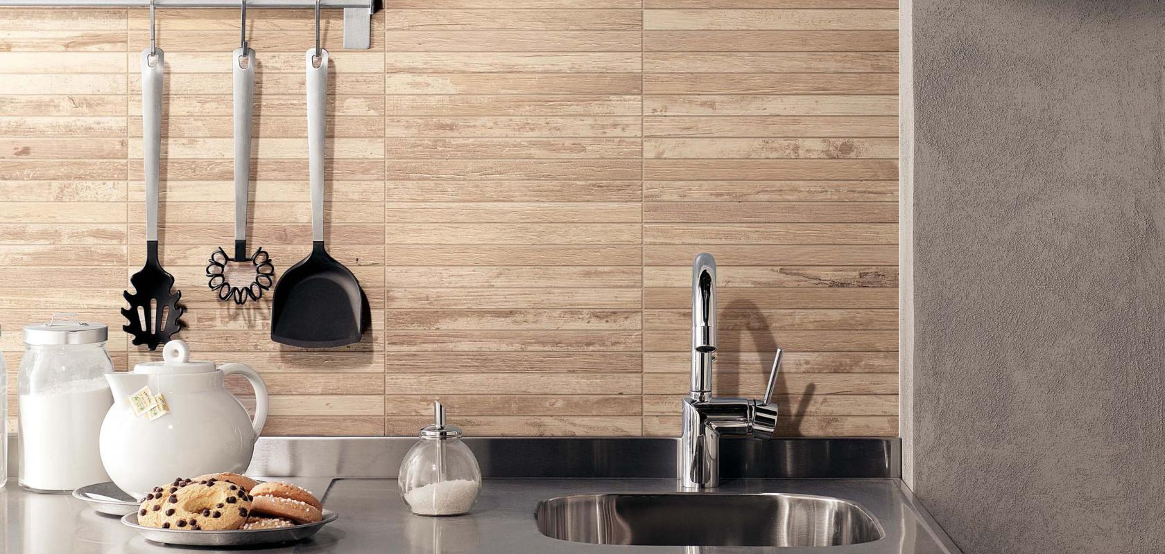 Awesome Piastrelle Rivestimento Cucina Classica Pictures - Ideas ...