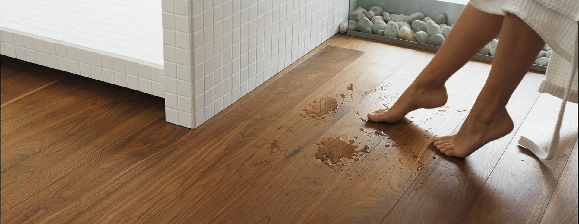 Il parquet in bagno e in cucina - Cirelli arredo bagno ...